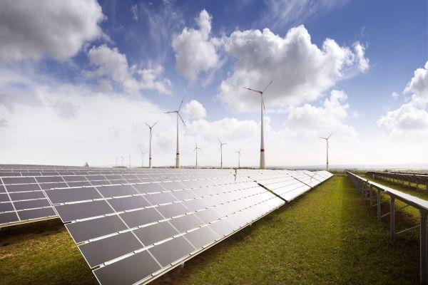 Žídek (Nova Green Energy): OZE se budou rozvíjet i bez dotací díky zlevnění technologií
