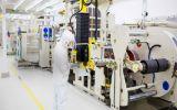 Čínský gigant CATL začíná stavět první obří továrnu na baterie v Evropě