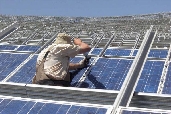 VEgyptě dokončili největší solární elektrárnu světa o výkonu 1800 MW