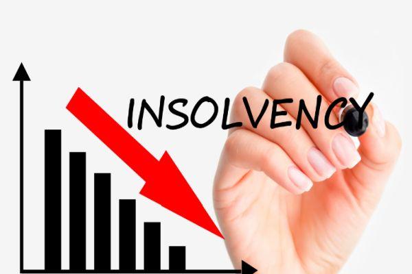 Těžký začátek roku pro 3 výrobce tenkostěnných panelů, kteří jsou na hraně bankrotu
