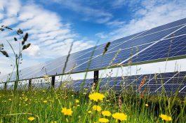 Vláda posvětila 1900 MW nových solárních elektráren v Česku do roku 2030. Je to úspěch, či spíše promarněná šance?