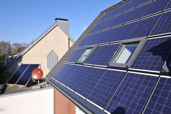 Soláry šetří lidem peníze ze energii v době krize