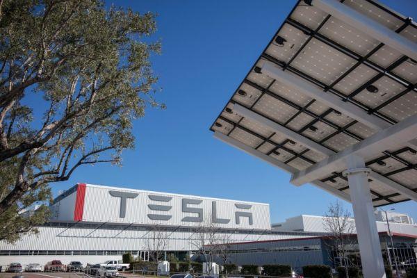 Zdroj: Tesla