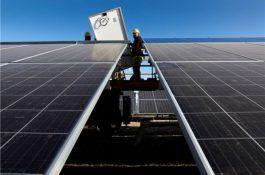 Zcela bez dotací: Největší fotovoltaická elektrárna v Evropě zahájila výrobu
