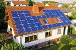 """Český solární boom v """"době koronavirové"""" láme rekordy. Co se za tím skrývá?"""