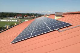 Praha chce instalovat tisíce fotovoltaických elektráren na střechách a balkonech