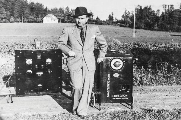 Výrobce fotovoltaických střídačů Fronius slaví 75. narozeniny