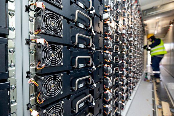 Jak bezpečně skladovat Li-Ion baterie?