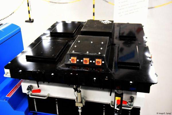 Chemický koncern BASF začne ve Finsku vyrábět baterie pro elektromobily