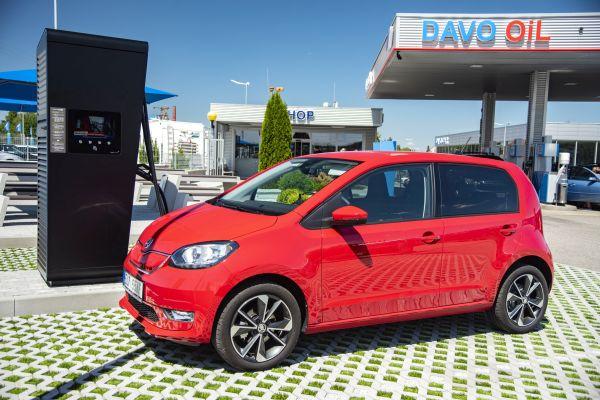 Stát uvolní 60 milionů Kč na podporu pro dobíjecí stanice elektromobilů