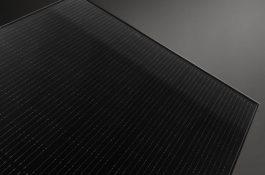 Co je potřeba sledovat při výběru špičkového fotovoltaického panelu pro střešní instalace?
