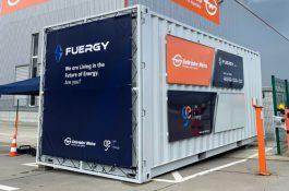 Největší bateriové úložiště na Slovensku pomocí umělé inteligence autonomně řídí nabíjení a vybíjení baterie