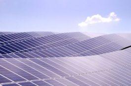 Photon Energy začíná stavět velké solární elektrárny v Austrálii