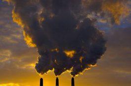 Lékaři volají po ukončení výroby energie zuhlí, vláda rozhodnutí zatím odkládá
