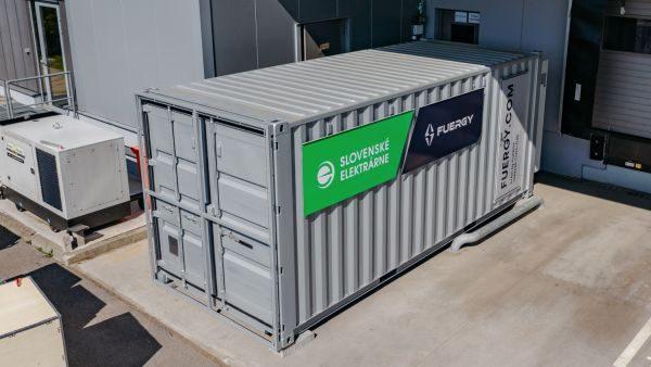 Na Slovensku startuje revoluční služba: Fotovoltaika s bateriovým úložištěm k pronájmu