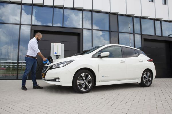 Elektromobily se stanou zdrojem energie díky inteligentnímu nabíjení