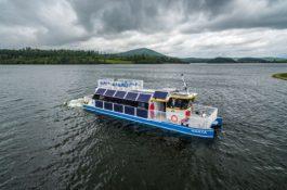 Bateriová loď na Slezské Harty již svezla více než desetitisíc pasažérů