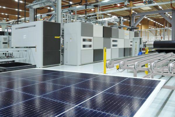 První solární modul na světě svýkonným mozkem a špičkovým výkonem