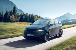 Lidový elektromobil poháněný solární energii měl premiéru na veletrhu CES