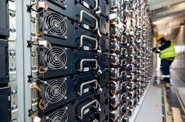 1200 MW: V Austrálii se rodí největší bateriový projekt na světě