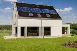 Proč si kupovat fotovoltaickou elektrárnu, když se dají zČíny objednat levné panely?