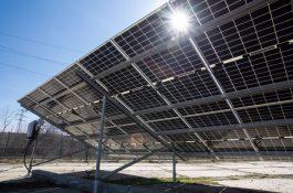 Není panel jako panel: ČEZ testuje agrivoltaiku a další inovativní technologie v nové laboratoři