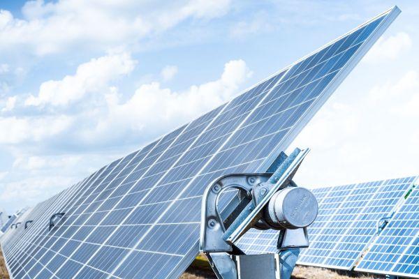 626 MW: Ve Španělsku vyrůstá největší fotovoltaická elektrárna v Evropě