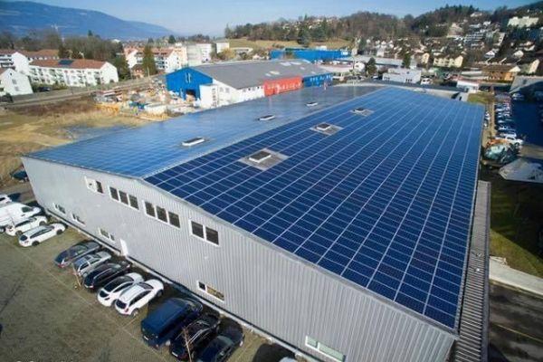 Není střecha jako střecha. Kde se solární elektrárna vyplatí?