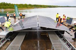 BayWa zahájila výstavbu největší plovoucí fotovoltaické elektrárny v Evropě