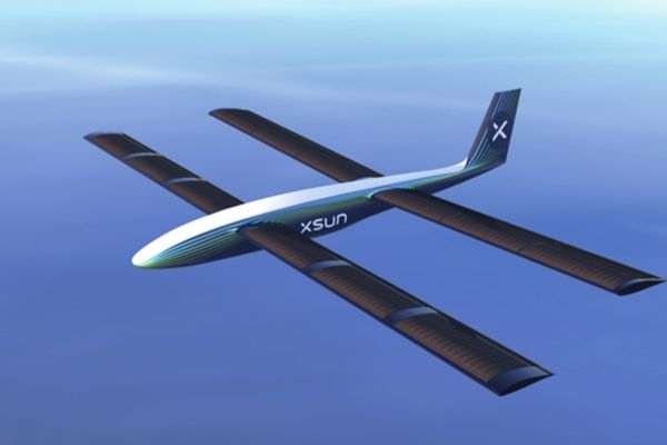 Francouzský startup vynalezl autonomní dron na solární energii