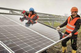 Těžba Bitcoinu s využitím solární energie se stává realitou