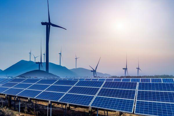 Budoucnost energetiky vČesku bude ve znamení zelené energie a bilionových investic