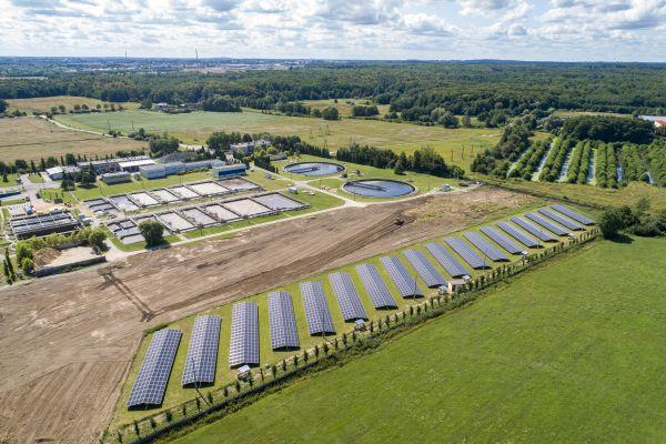 Photon Energy uvedl do provozu v Polsku fotovoltaickou elektrárnu s výkonem 950 kWp