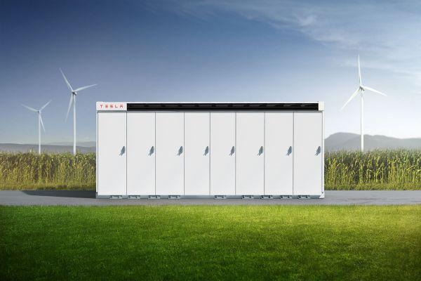 Velkokapacitní baterie Tesla Megapack byly použity na největším projektu skladování energie v Británii