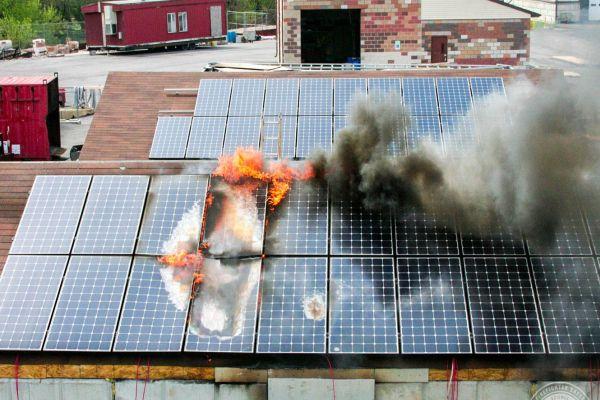 Proč vám pojišťovna brzy nepojistí novou solární elektrárnu?