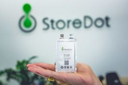 StoreDot slibuje extrémně rychlé nabíjení lithiových baterií